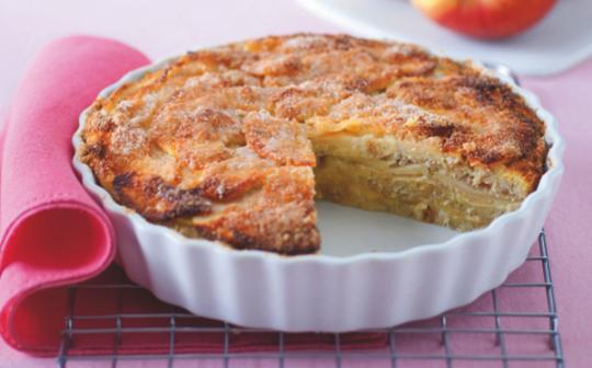 Zapečeni kolač od hleba i jabuka