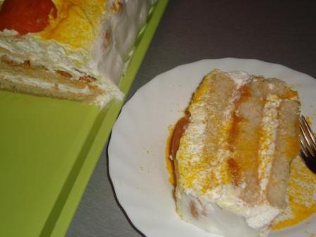 Šlag torta sa kajsijama