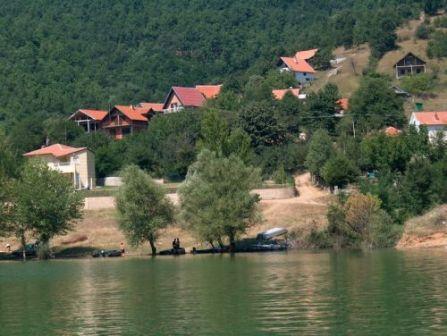 bovansko jezero vikendice
